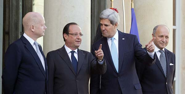 "France, U.S., Britain Urge  ""Strong, Robust"" UN Resolution  on Syrian Chemical Weapons"