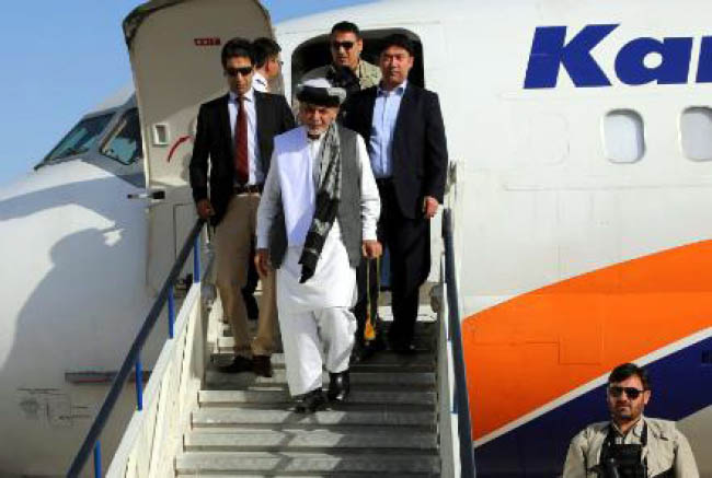 Ghani in Kandahar to Review Security Situation