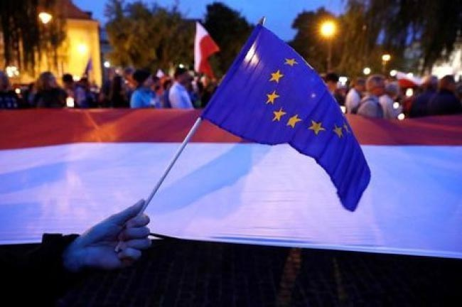 EU Executive to Start Legal Action against Poland over Judiciary Reform