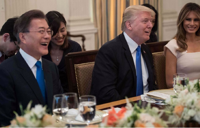 Trump, Moon Agree to Peaceful Resolution of Korean Peninsula Issue, Fair Trade Deal