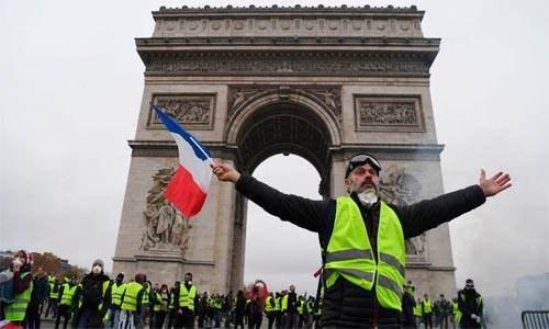 Will the Yellow Vests Reject the Brown Shirts?