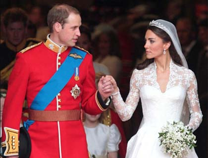 William and Kate Seal Wedding with Balcony Kisses